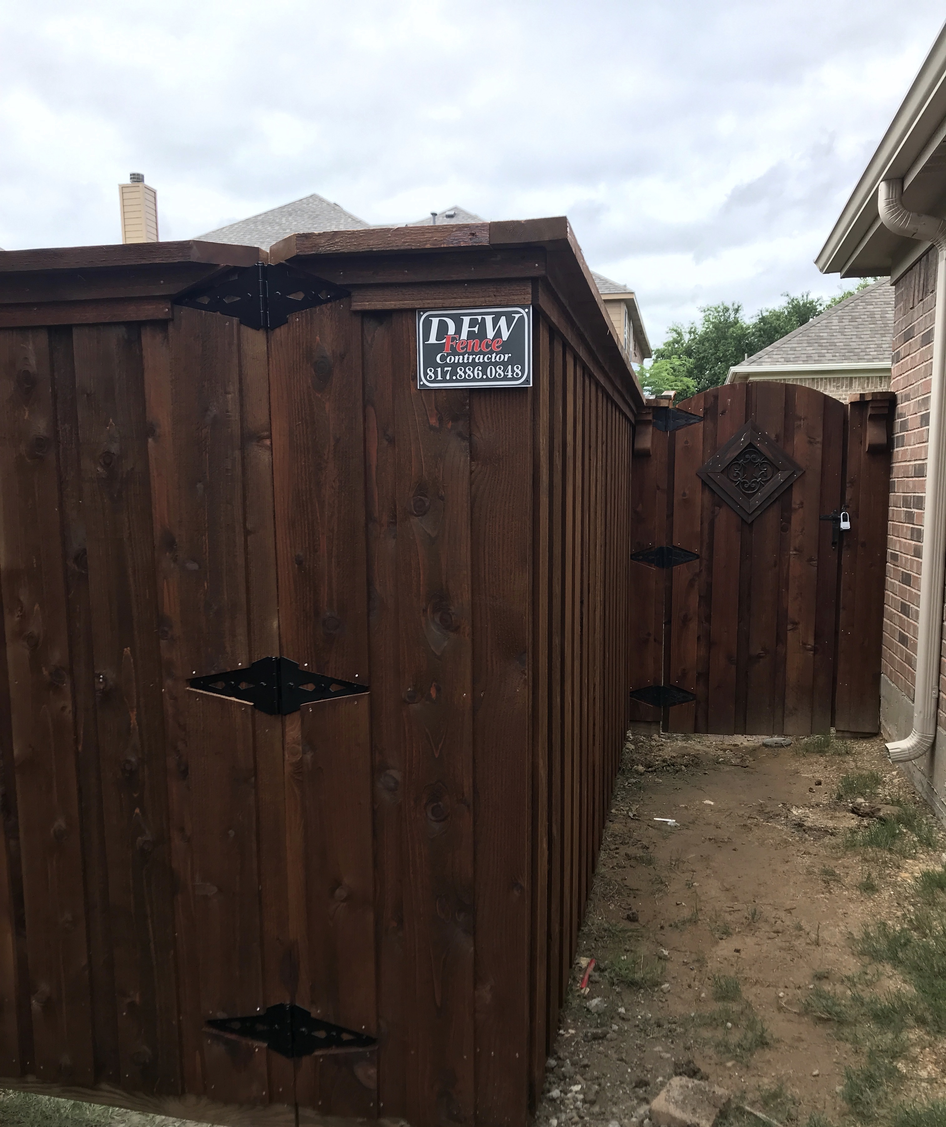 OXFORD-BROWN-fence-stain